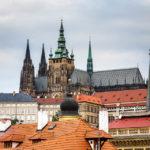 Blick von der Karlsbrücke in Richtung der Prager Burg