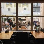 Blick in den Garten des Restaurant Kolkovna Savarin
