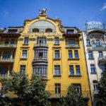 Das ehemalige Grand Hotel Europa mit schöner Jugendstilfassade auf dem Wenzelsplatz