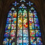 Glasfenster von Alfons Mucha im Veitsdom auf der Prager Burg