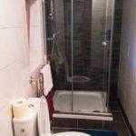 Bad im Doppelzimmer in der Privatpension Haus Elisabeth in Zell am See