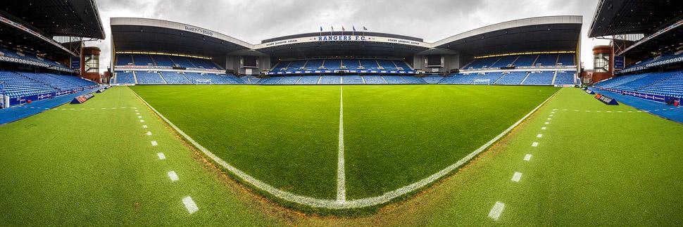Panorama des Ibrox Stadium der Glasgow Rangers