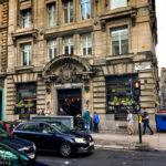 Außenansicht des Pubs The Drum & Monkey in Glasgow