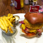 Ein Legendary Burger im Hard Rock Café in Glasgow