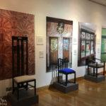 Ausstellungsstücke von Mackintosh im Gebäude The Lighthouse in Glasgow