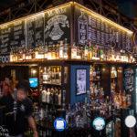Innenansicht des Pub MacSorley's in Glasgow