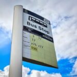 Mehrere unterschiedliche Busanbieter an einer Station in Glasgow