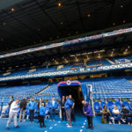 Blick auf die Haupttribüne im Ibrox Stadium (Glasgow Rangers)