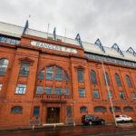 Außenansicht der Haupttribüne des Ibrox Stadium (Glasgow Rangers)