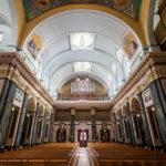 Innenansicht der Kirche Roman Catholic Parish of St Aloysius