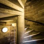 Treppe in einem Nebeneingang zur Universität von Glasgow