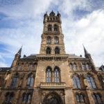 Das Südportal der Universität von Glasgow