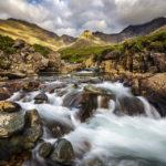 Kleine Wasserfälle entlang des Wanderwegs der Fairy Pools