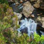 Wasserfall entlang des Wanderwegs der Fairy Pools
