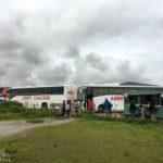 Busse auf dem Parkplatz des Kilt Rock/Mealt Falls