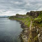 Die andere Seite der Küstenlinie, gesehen von der Aussichtsplattform Kilt Rock/Mealt Falls