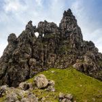 Die Felsformationen des Old Man of Storr aus der Nähe zu betrachten, ist ein Wahnsinnsgefühl