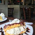 Eclair im Caledonian Cafe in Portree