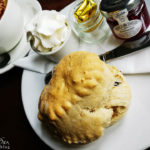 Scones im Caledonian Cafe in Portree