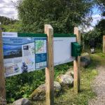 Beginn des Wanderwegs mit Blick auf die Skye Bridge