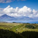 Ausblick auf die Berglandschaft der Isle of Skye