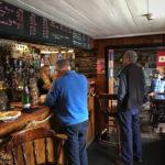 Innenansicht des Stein Inn auf der Halbinsel Waternish