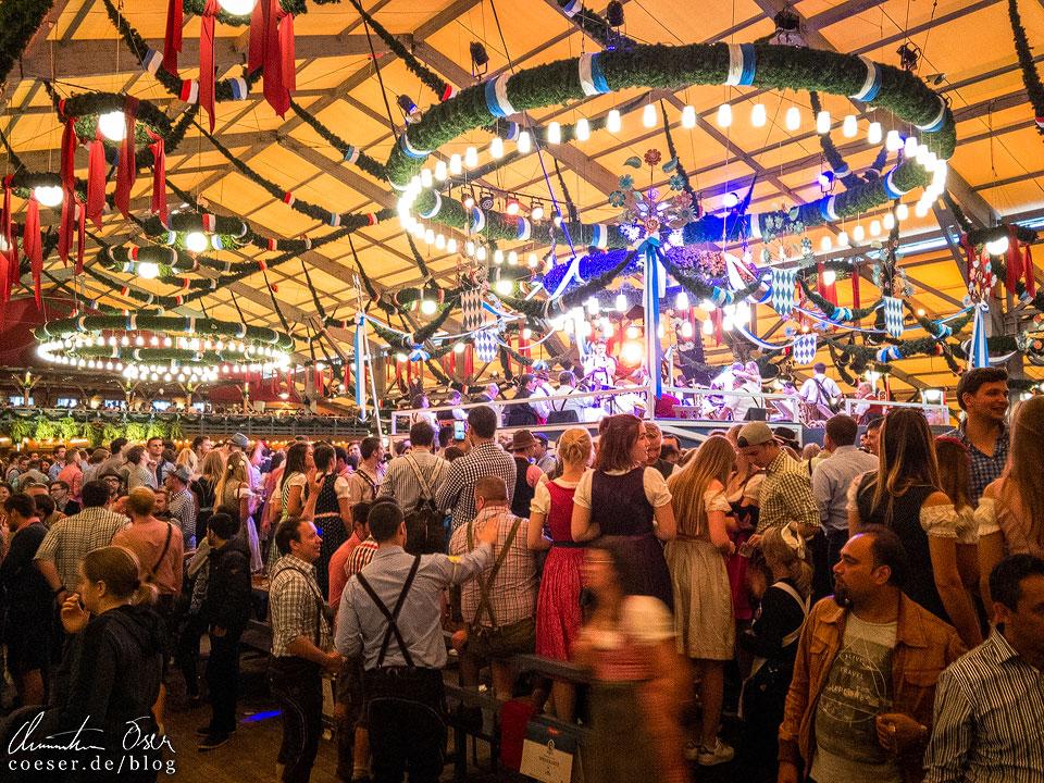 Schottenhamel-Festhalle während des Münchner Oktoberfest