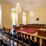 Verhandlungssaal I in der ehemaligen Böhmischen Hofkanzlei in Wien