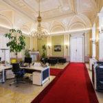 Ein Büro in der ehemaligen Böhmischen Hofkanzlei in Wien