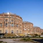 Außenansicht aller vier Gasometer in Wien