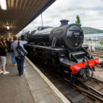 Lokomotive des Jacobite Steam Train im Bahnhof von Fort William