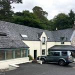 Außenansicht des Balmacara Mains Guest House in Kyle of Lochalsh