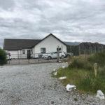 Außenansicht des Ardbeg Guest House in Rhiconich
