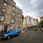 Steile Straßen in der Altstadt von Edinburgh