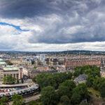Panoramaaussicht vom Edinburgh Castle auf die Westseite der Stadt