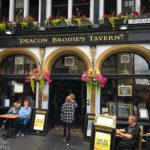 Außenansicht der Deacon Brodies Tavern