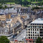 Blick vom Edinburgh Castle auf die georgianische Neustadt