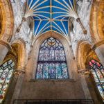 Prachtvolle Buntglasfenster in der St Giles' Cathedral
