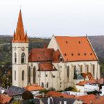 Blick vom Rathausturm auf die St.-Nikolaus-Kirche