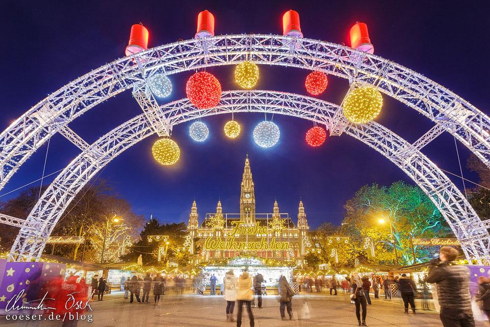 Christkindlmarkt vor dem Rathaus in Wien