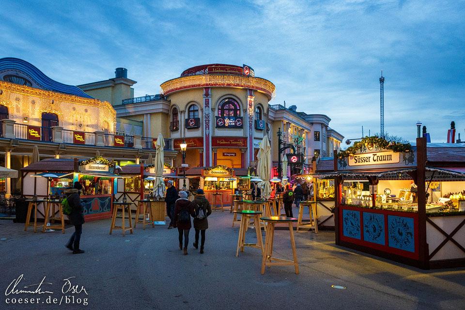 Wintermarkt vor dem Riesenrad im Prater in Wien