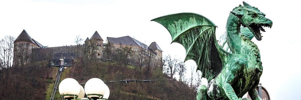 Die Drachenbrücke und die Burg in Lubljana