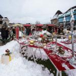 Der kleine Weihnachtsmarkt im Innenhof der Burg von Ljubljana