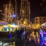 Die prachtvolle Weihnachtsbeleuchtung auf dem Weihnachtsmarkt von Ljubljana