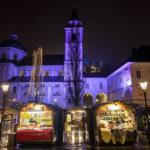 Der Weihnachtsmarkt am Platz vor dem Dom St. Nikolaus