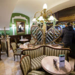 Innenansicht des Zwinger Kávéház
