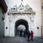 Das Tor der Treue unterhalb des Feuerturms von Sopron
