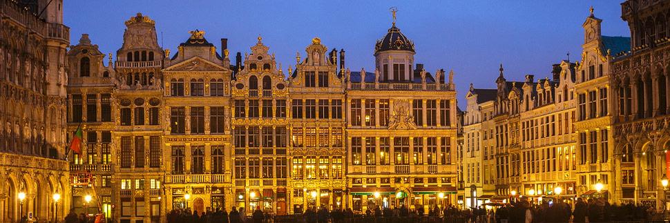 Der beleuchtete Grand Place in Brüssel