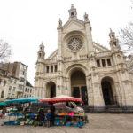 Marktstände vor der Eglise Sainte-Catherine