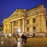 Das beleuchtete Börsegebäude (Bourse de Bruxelles)